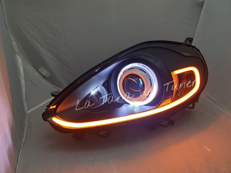 punto-evo-evo-abarth-lenticolari-neri-angel-eyes-strip-led-e-cover-bianca