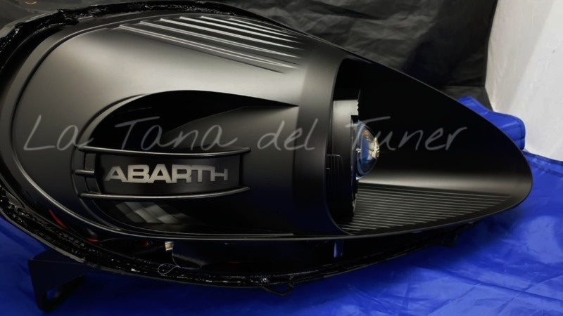 grande-punto-abarth-lenticolare-angel-eyes-bad-look-e-inserto-laterale-abarth-illuminato